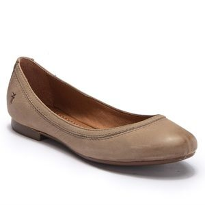 """NWOT Frye """"Carrie"""" Leather Flats"""
